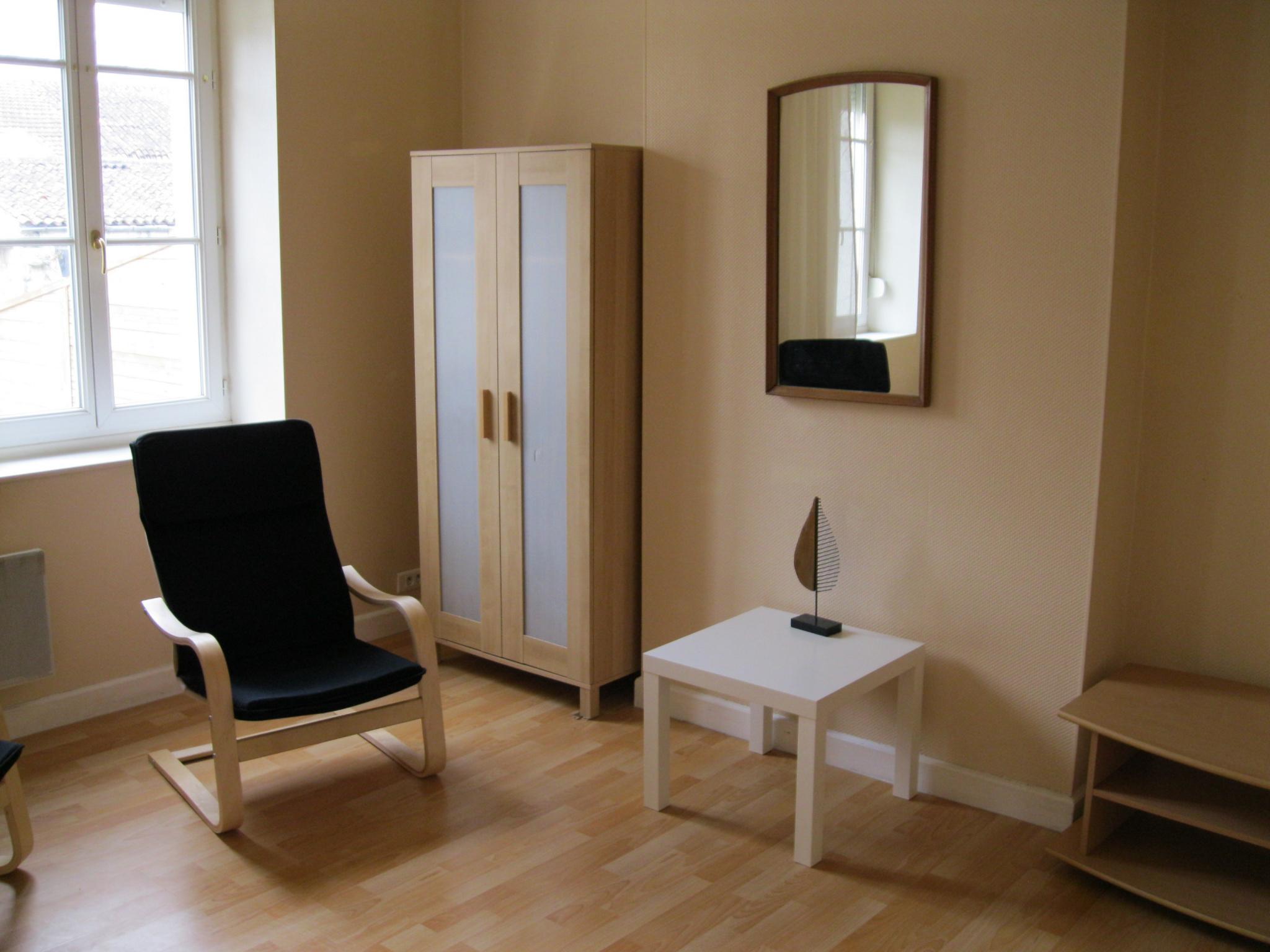 location appartement t1 bis meubl. Black Bedroom Furniture Sets. Home Design Ideas